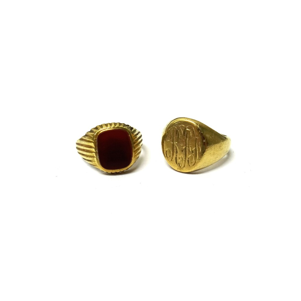 A 9ct gold oval signet ring, monogram... Image
