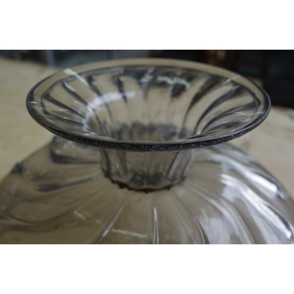 A large facon-de- Venise footed bowl Image