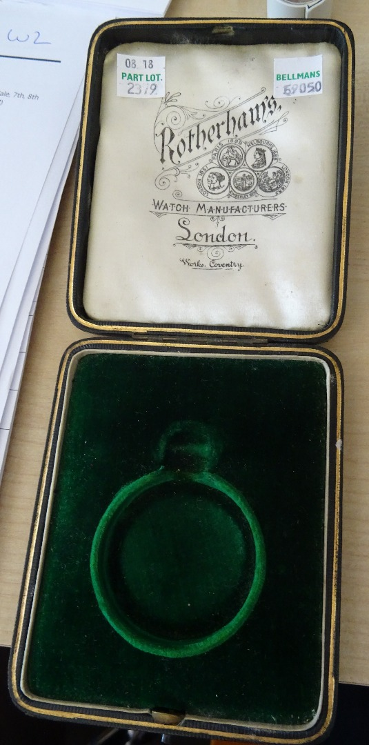 A gentleman's 18ct gold cased, keyless... Image
