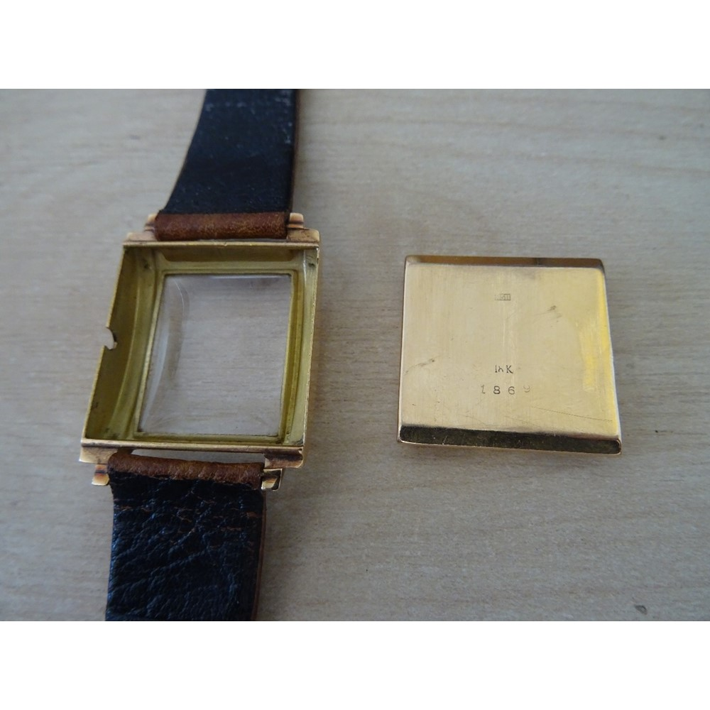 An Ancre gold curved square cased... Image