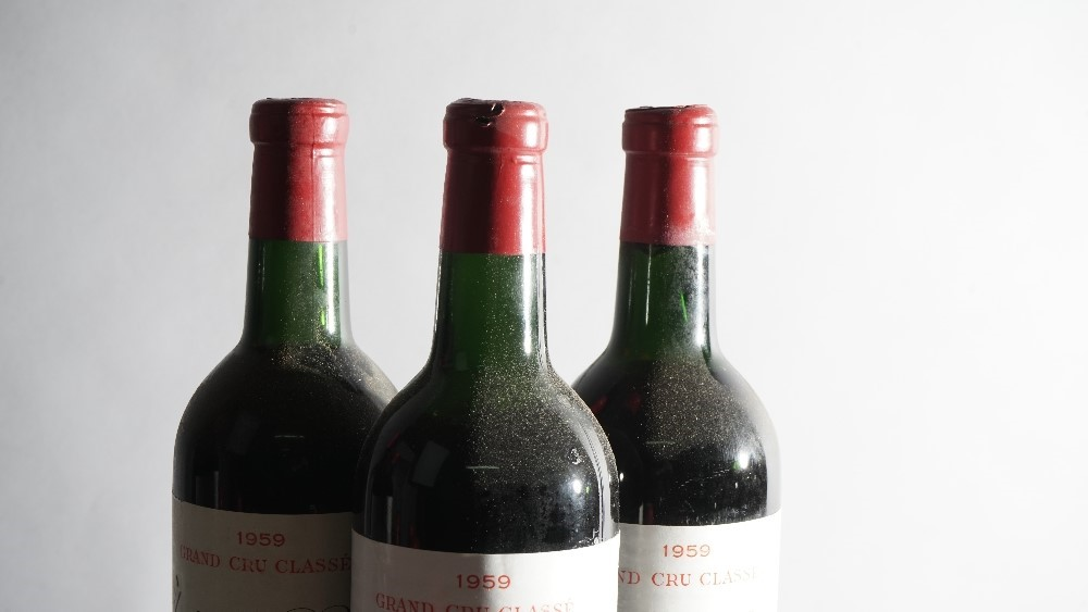 Twelve bottles of 1959 Chateau Ripeau Saint-Emilion, Grand Cru Classe, in original box., (12). Image