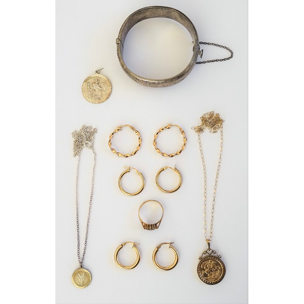Mostly 9ct gold jewellery, comprising; a sapphire and colourless gem set heart shaped cluster... Image