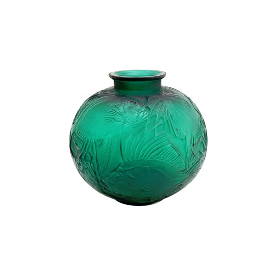 A Lalique 'Poissons' emerald green vase,... Image