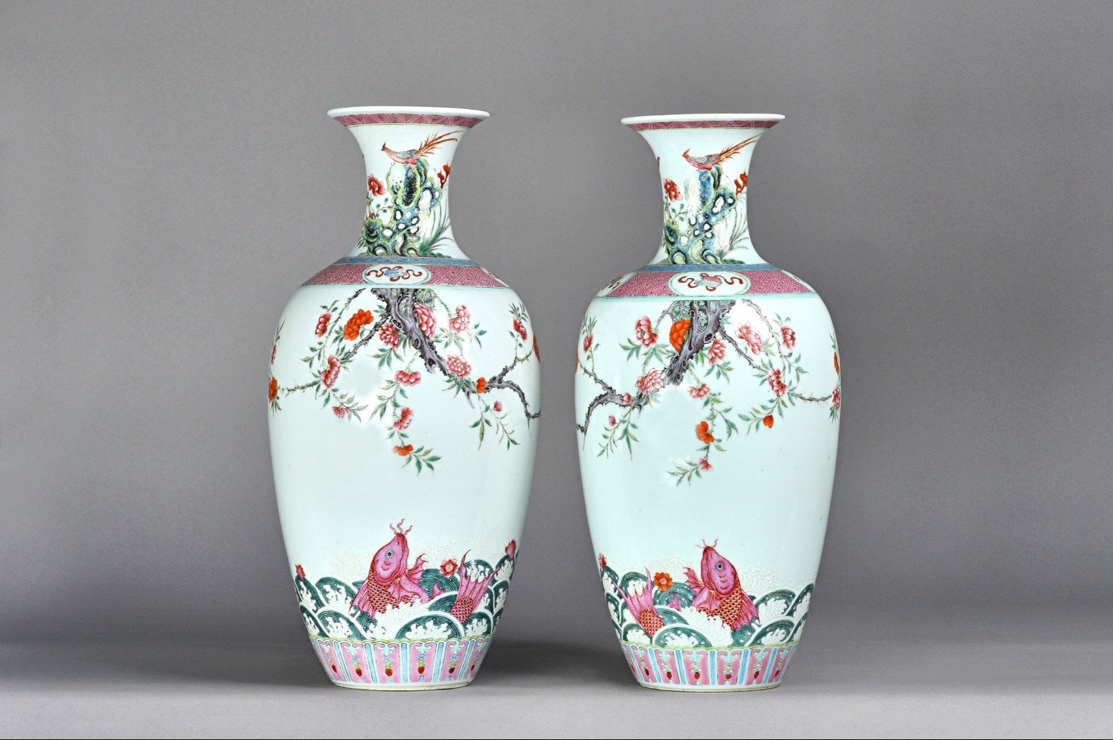 A good pair of Chinese famille-rose... Image