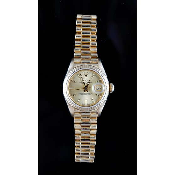 A Rolex Oyster Perpetual Datejust 18ct gold lady's bracelet wristwatch, the signed gilt dial with... Image