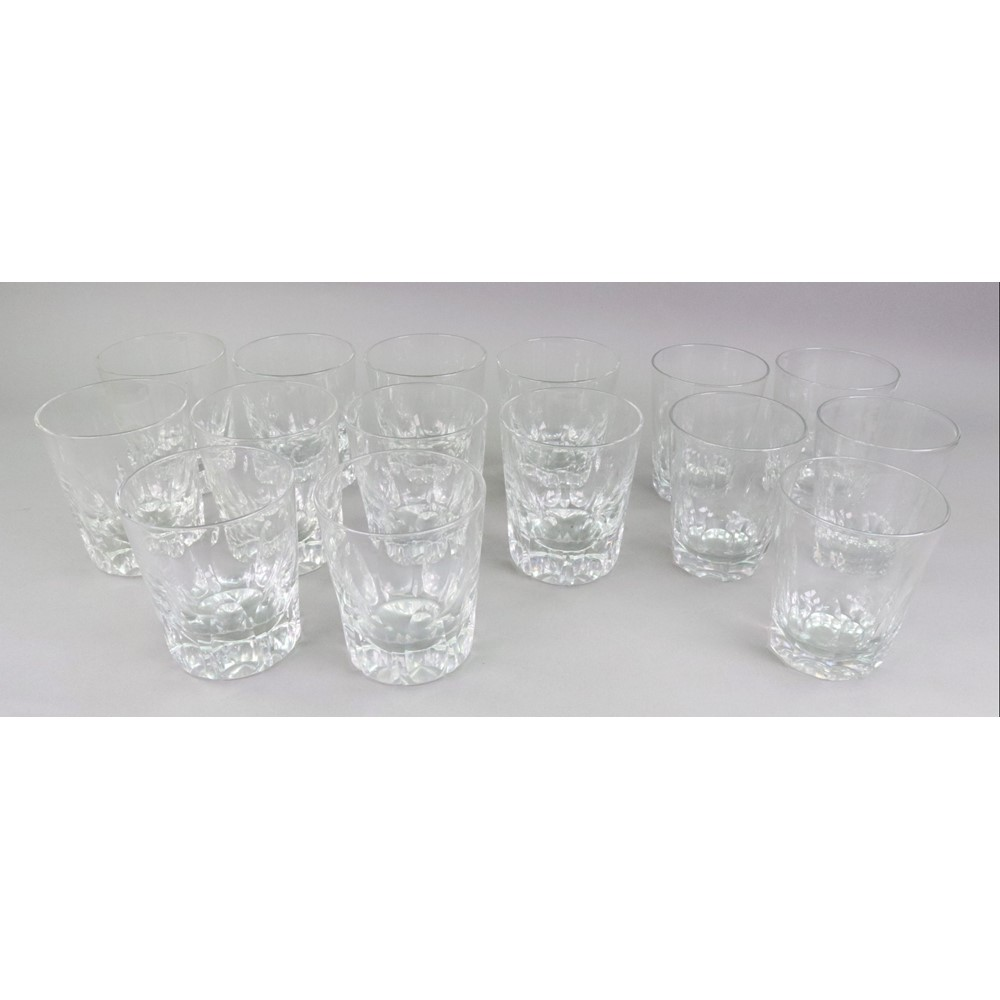 Ten facet cut glass tumblers, 20th... Image
