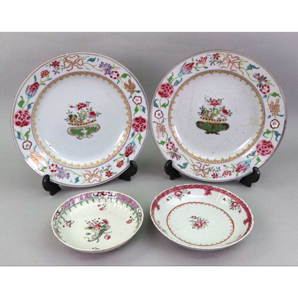 A pair of Chinese famille rose plates,... Image