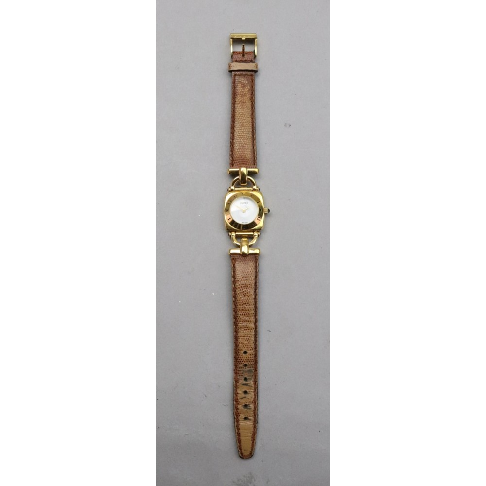 Gucci; a lady's 6300L gold plated quartz... Image