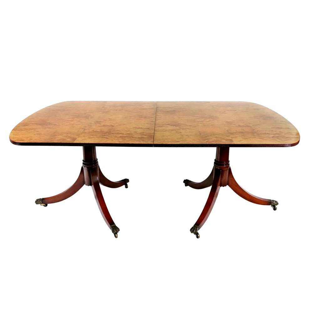 A Regency style mahogany 'D' end dining... Image